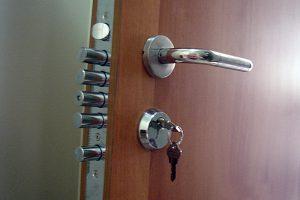 Produtos de segurança blindados, portas anti-arrombamento, portas blindadas e quarto do pânico